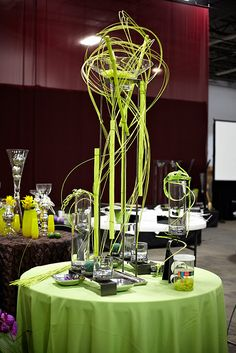 Absolutely the best site for DIY weddings, parties, crafts    Centerpieces Inspiration - Wedding Reception