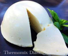 Recipe Thermomix Mozzarella and Bocconcini by Justine77777 - Recipe of category Basics