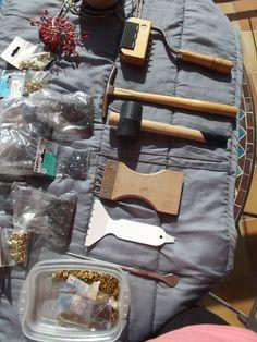 Tous les outils pour refaire fauteuil ,canapé pour les débutants je peux vous donner  quelques conseils !! #Location particulier à particulier, matériel de garnisseur de fauteuils à Le Grau-du-Roi (30240) _ www.placedelaloc.com #outils #consocollab