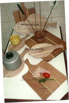 Tábuas de carne feitas com madeira de lei e de ótima qualidade!! Perfeitas para presentear alguém ou a você mesmo! Fazemos vários modelos!!