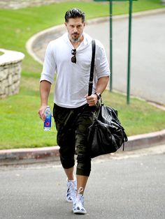 From Hollywood to New York and everywhere in between, see what your favorite stars are up to! Casual Wear For Men, Stylish Mens Outfits, Casual Outfits, Joe Manganiello Workout, Joe Maganiello, Preppy Mens Fashion, Taylor Kitsch, Star Track, Hottest Male Celebrities