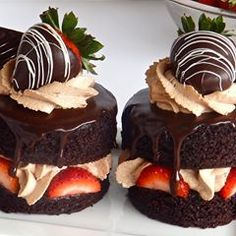 desserts We use this signature recipe for our sinfully delicious devils food cake layers, sheet cakes and cupcakes. Fancy Desserts, Gourmet Desserts, Just Desserts, Dessert Recipes, Fancy Chocolate Desserts, Cupcake Recipes, Elegant Desserts, Valentines Day Desserts, Valentine Decorations