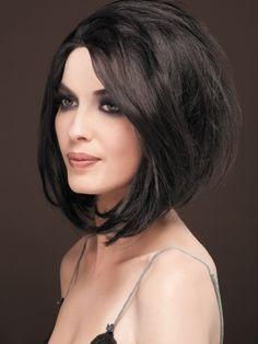 pelo escalonado atras | coupe carre plongeant cheveux noirs mode coiffure tunisie 2014