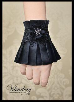 Little Gothic Victorian Cuff Bracelet with Dragonfly, Lolita Vampire Style jewelry, Dark Fashion http://www.etsy.com/shop/Vilindery