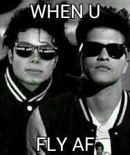 Michael Jackson and Bruno Mars meme Bruno Mars Meme, Funny Celebrity Memes, Michael Jackson Pics, Cute Memes, Black History, Mj, Mens Sunglasses, Celebrities, Sexy