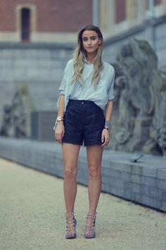 Leather shorts: SET Fashion  Heels: Zara  Shirt: Topshop  Jewelry: Hermes, Flor Amazona and Artelier MX