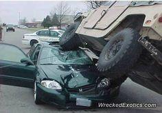 Hummer H1 crashed