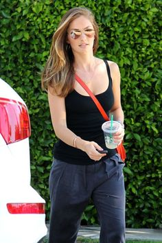Minka Kelly's treadmill intervals - I am trying this today and will see if I survive the 45 minutes...  1 minute at 5.0  1 minute at 5.5  1 minute at 6.0  1 minute at 6.5  1 minute at 7.0  1 minute at 7.5  1 minute at 8.0  2 minutes at 4.5  Repeat five times!