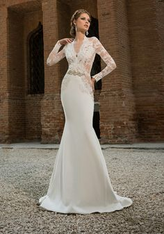 Wedding dress Addicted to Your Voice, BIEN SAVVY 2016 BRIDAL Collection. Inquiries at office@biensavvy.eu