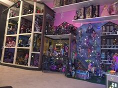 Monster High Dollhouse Tour 40Rooms43Beds200 MH Doll School House Mansion Dorm Barbie Collection RV - YouTube