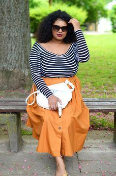 Cute Summer Dress Combo with Striped Long Sleeved Shirt, bright Orange Maxi Skirt and a white Bag wo Curvy Fashion, Plus Size Fashion, Fashion Models, Fashion Looks, Fashion Outfits, Xl Mode, Mode Plus, Plus Size Tips, Plus Size Model