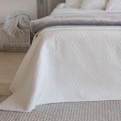 QUILT UND KISSENBEZUG MIT KLEINEM RAUTENRELIEF - Quilts - Schlafen | Zara Home Deutschland