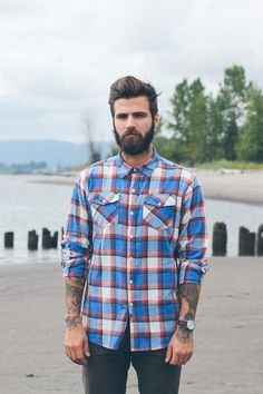 Cute short and full beard styles for men are changing rapidly and gaining lot of importance in the male society. Full beard style is the most popular trend I Love Beards, Beard Love, Man Beard, Perfect Beard, Beard Styles For Men, Hair And Beard Styles, Beard And Hairstyles, Bart Styles, Sexy Bart