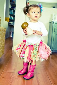 Fabric Tutu DIY: I like this so much better than the traditional tutus you see on every little girl!