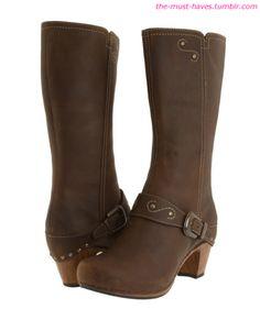 Dansko Rylan: comfy boots!boots!?!  by dansko!?!?  yes please!