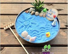 Sand zen garden with a bamboo zen rake. How to make a zen garden. Miniature Zen Garden, Mini Zen Garden, Meditation Gifts, Zen Meditation, Desktop Zen Garden, Yoga Room Decor, Zen Rock, Hanging Succulents, Succulent Terrarium