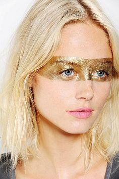Metallic body paint in gold, silver,