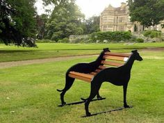 Single Seater Whippet Bench I would love to have a couple of these. Greyhound Art, Italian Greyhound, Grey Hound Dog, Dog Crate, Crate Bench, Outdoor Dog, Garden Furniture, Garden Art, Metal Art