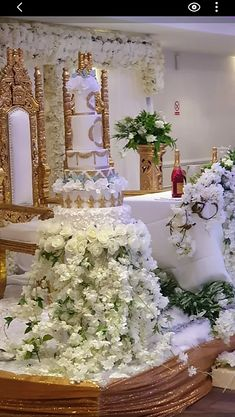 Floral cake stand, flower cake stand, flower cake table | Elite events Decor