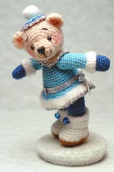 FREE Winter Bear Amigurumi Crochet Pattern and Tutorial by Sue Pendleton
