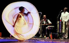 """O espetáculo de dança """"Sapatos Brancos"""" ganha exibição no Teatro Sesi Vila das Mercês no dia 8, sexta, às 20h, com entrada Catraca Livre."""