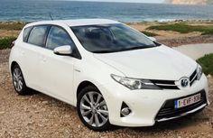 2015 Toyota Auris Hybrid Review