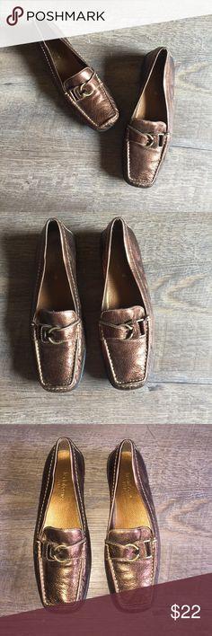 Bronze🌻 Liz Claiborne Flats Liz Claiborne flex bronze leather loafers or flats ladies size 7M Liz Claiborne Shoes Flats & Loafers