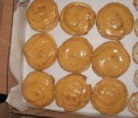 Karamelová šlehačka do větrníků Desert Recipes, Food And Drink, Fruit, Drinks, Gardening, Sweet, Hampers, Bakken, Drinking