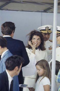 "Џеки Кенеди НА носач авиона ""Џон Ф.  Кенеди ""21. септембар, 1968"