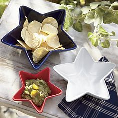 Set of 3 Star Bowls | Star-spangled snacking! Glazed stoneware; hand wash. Set of 3 www.countrydoor.com