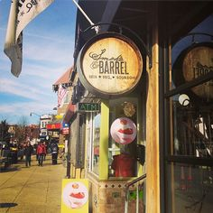 Smoke & Barrel DC, bbq and bourbon with great #vegan options!