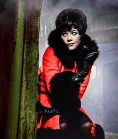 Linda Thorson as Avenger Tara King .