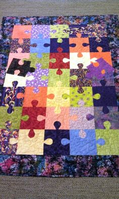 Puzzle quilt.  Pattern can be found (and it's free) at Jukebox Quilts.