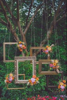 Hanging Frame Photo Booth