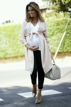 1df68a79186 112 nejlepších obrázků z nástěnky Těhotenská móda