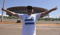 """Bruno, el brasileño """"torcedor"""" de Honduras en Brasilia - Diario La Prensa Es amigo de algunos catrachos que viven en esta ciudas y se vino a apoyar a la Bicolor"""