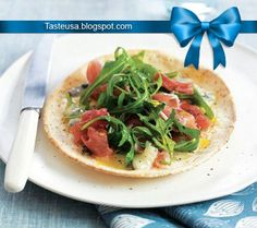 Flatbread pizzas with blue cheese recipe
