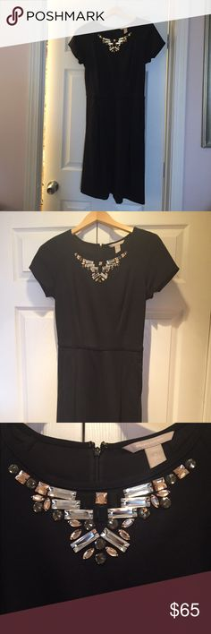 Banana Republic embellished black dress Embellished black bi-stretch dress - short sleeves - side pockets Banana Republic Dresses Midi