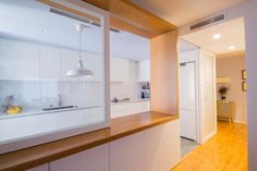 nook-architects-master-window-castelldefels-barcelona (9) Semi Open Kitchen, Open Plan Kitchen Living Room, Kitchen Room Design, Condo Kitchen, Glass Kitchen, Home Decor Kitchen, Kitchen Interior, Home Kitchens, Nook Architects