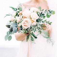 garden themed blush pink wedding bouquet ideas