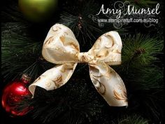 Video Tutorial: How to make a perfect Christmas bow for a tree tutorial. DIY Home Decor