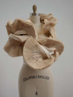 sculptural fashion / repinned on toby designs