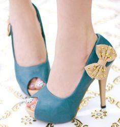 So cute blue high heels with studded bow