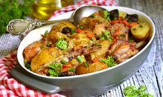 Kralik so zeleninou a zemiakmi z pekaca