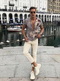 Summer Fashion Tips casual fashion.Summer Fashion Tips casual fashion Mens Fashion 2018, Trendy Mens Fashion, Stylish Mens Outfits, Miami Fashion, Fashion Usa, 2000s Fashion, Fashion Casual, Fashion Tips, Fashion Websites