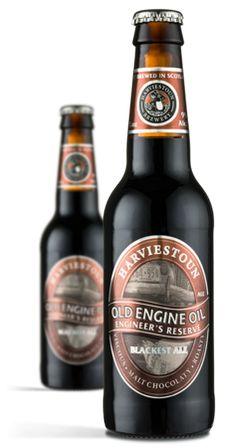 Cerveja Harviestoun Old Engine Oil Engineer's Reserve Blackest Ale, estilo Porter, produzida por Harviestoun Brewery, Escócia. 9% ABV de álcool.