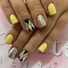 Fancy Nails, Cute Nails, Yellow Nail Art, Geometric Nail, Cute Nail Designs, Stylish Nails, Natural Nails, Yellow Nails, Polish Nails