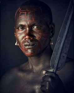 "Maasai Warrior in Tanzania (photo by Jimmy Nelson from the ""Before they pass away"" collection) African Tribes, African Diaspora, African Men, African Beauty, Best Portrait Photographers, Best Portraits, Tribu Masai, Foto Face, Jimmy Nelson"