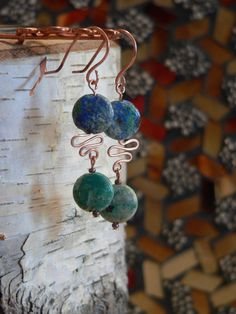 Earrings with wire interest