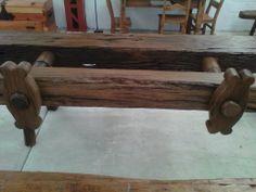 Banco de carpintero antiguo, en ellos se trabaja el tallado de madera
